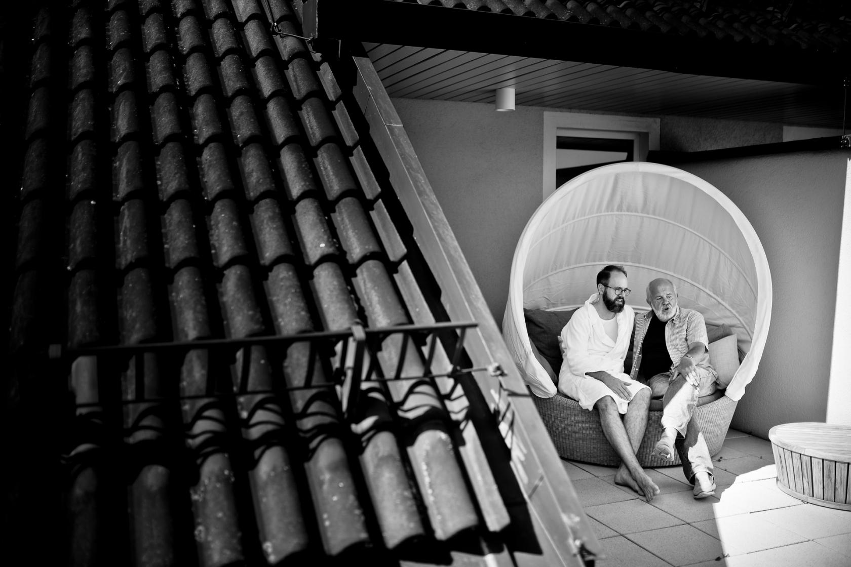 Bräutigam mit Vater Hochzeitsfotografie Marburg